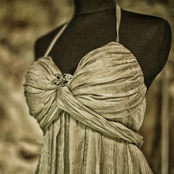 Daenerys Targaryens klänning från giftermålet med Khal Drogo. Foto: Pressbild