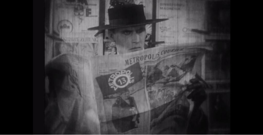 Klippt från filmen: en sån här spion bara älskar man ju att se.