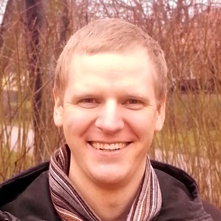 Rustan Håkansson är en av skaparna bakom civilisationsspelet Nations tillsammans med sina bröder Einar och Robert samt hans fru Nina.