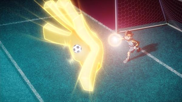 """Kaptenen Endo använder sin specialräddning """"God Hand"""""""