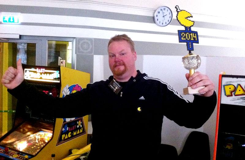 Historiska första vinnaren av officiella Pac-Man-SM – Tommy Eriksson. Foto: Jonas Bengtsson