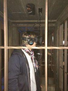 Virtual reality är coola grejer. Här med Barrikadens Nils Ek i sin egen värld.