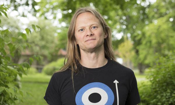 Herman Geijer – zombieöverlevnadsexpert. Pressbild: Mattias Ahlm/Sveriges Radio