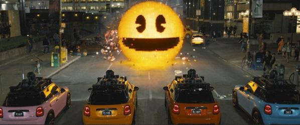 I brist på spöken blir bilarna till Pinky, Clyde, Inky och Blinky som jagar Pac-Man i New York. Foto: Pressbild