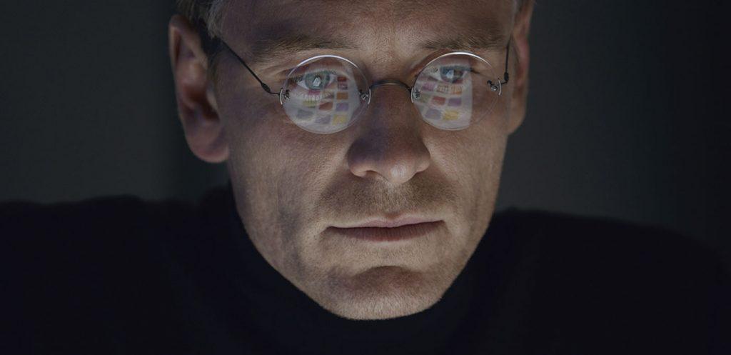 Michael Fassbender spelar Steve Jobs i filmen med samma namn som Apples grundare. Foto: UIP Media/Pressbild
