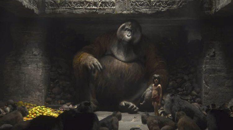 Kung Louie och Mowgli i bioaktuella filmen Djungelboken. Foto: Pressbild